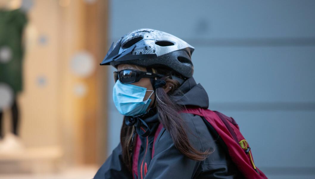Oslofolk er best i landet på å bruke maske, viste tall fra Norsk koronamonitor i november. Likevel sliter byen med å få ned smittetall til en lavt nok nivå for å lempe på strenge koronatiltak.