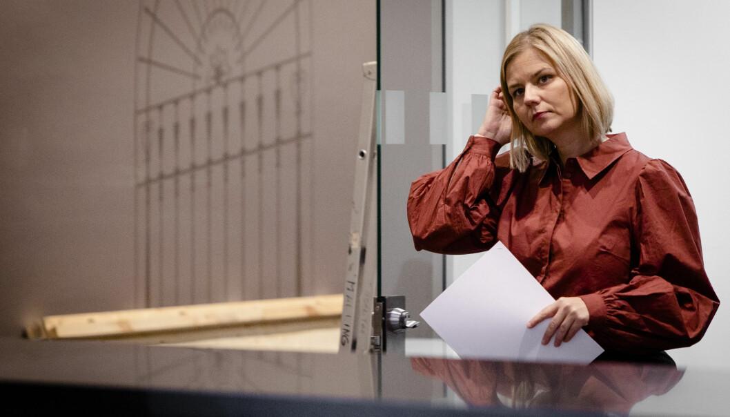 Kunnskaps- og integreringsminister Guri Melby (V) har mottatt rapporten fra by- og levekårsutvalget. Hun er bekymret over den økende segregeringen i byene.