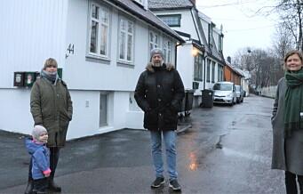 Mirjam og naboene hennes på Hylla i Enebakkveien er sinte på bydelsutvalget i Gamle Oslo. — Saken vår burde vært behandlet