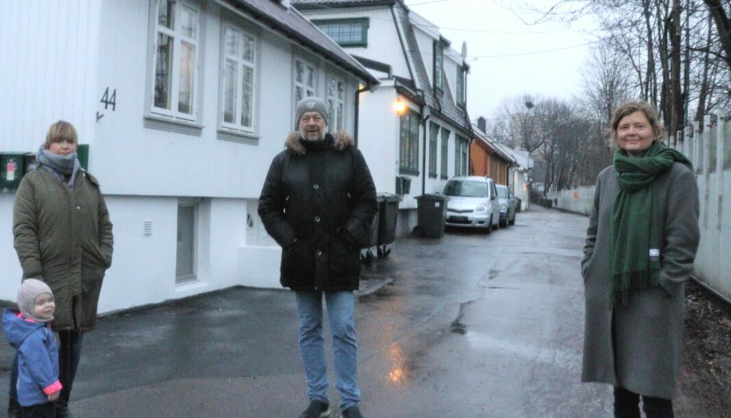Mirjam Berg Abrahamsen, Ørn Terje Foss og Hege Stensrud Høsøien er forbannet over at bydelsutvalget ikke ville behandle utbyggingen i Brynsbakken på siste møte før juleferien.