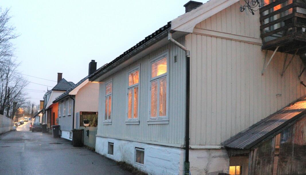De verneverdige husene på Hylla trues av riving om reguleringsplanen fra Bane Nor blir vedtatt.
