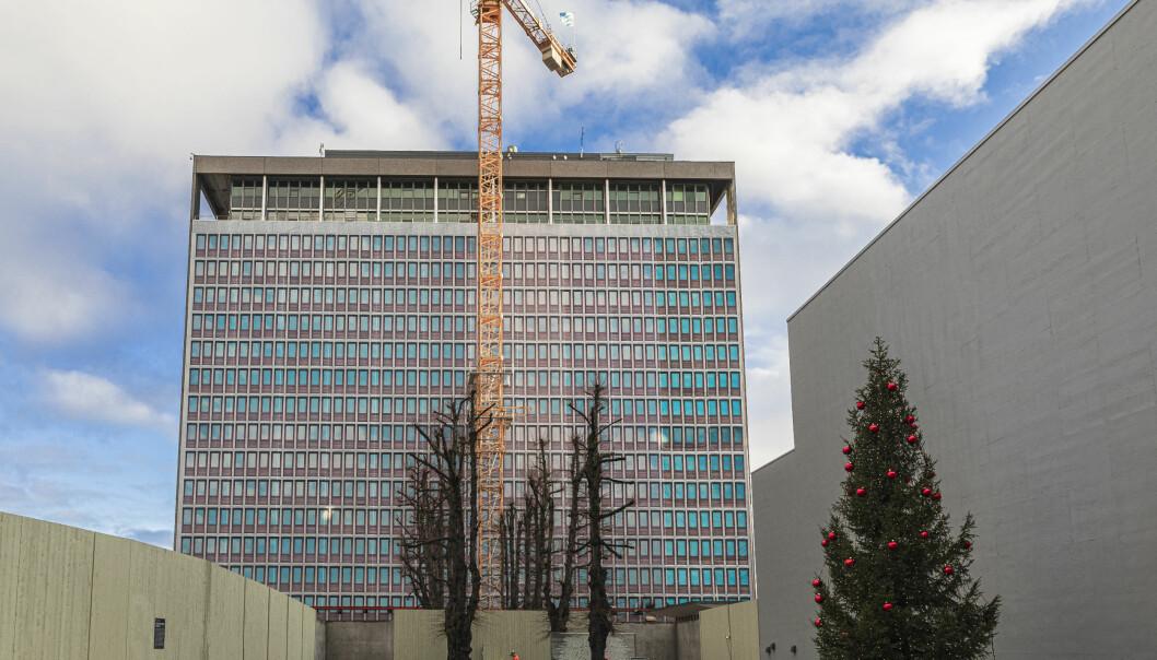 Slik ser Skanska og Statsbygg for seg at den restaurerte og rehabiliterte Høyblokka i regjeringskvartalet vil fremstå i 2024.