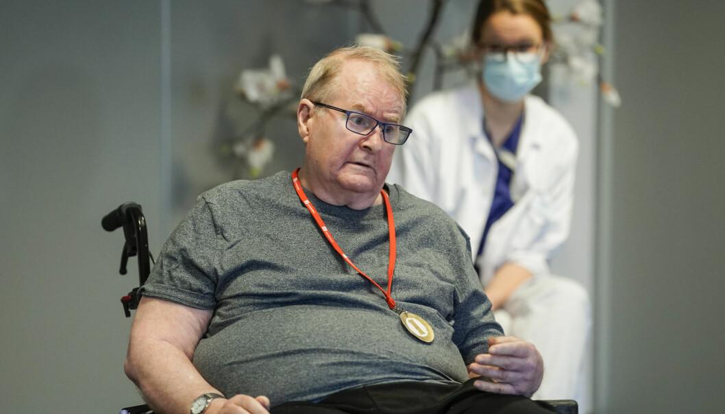 Svein Andersen håper på mer besøk når han er ferdig med vaksine nummer to: — Det blir fint hvis de besøkende slipper å planlegge mange dager i forveien, sier 67-åringen ved Ellingsrudhjemmet.