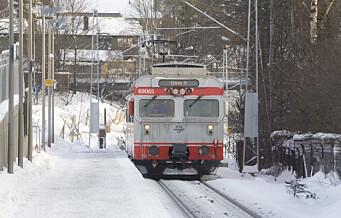 Strømbrudd på Østfoldbanen. Togene sørfra snur på Kolbotn, tog nordfra står på Oslo S