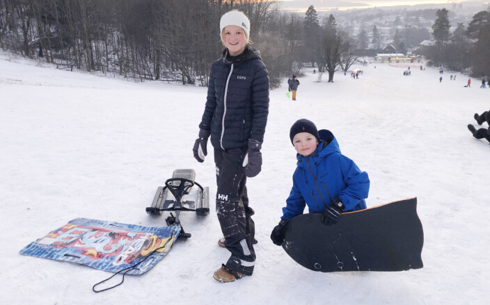 Ida og Jeppe Damsleth Heldaas akte i Carl Kjelsens park på Sogn i helga. Mandag var de i Korketrekkeren.