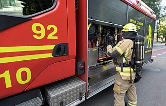 En beboer alvorlig skadd i brann i omsorgsbolig på Ammerud