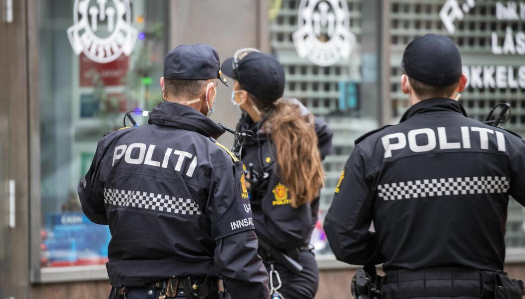 Politiet sikret spor etter knivstikkingen 29. desember i Storgata.