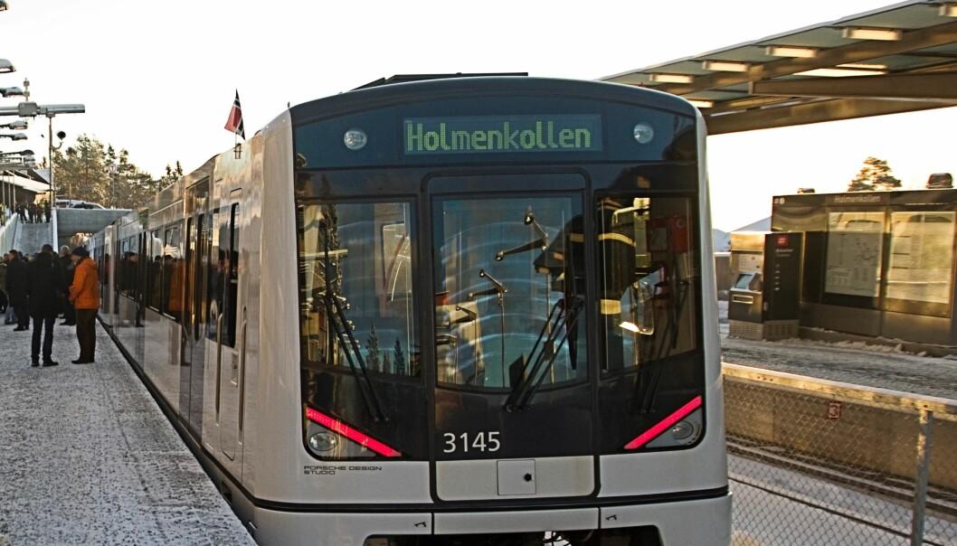 Fra Majorstua og opp til Holmenkollen stasjon må T-banens linje 1 forsere drøyt 235 høydemetre.