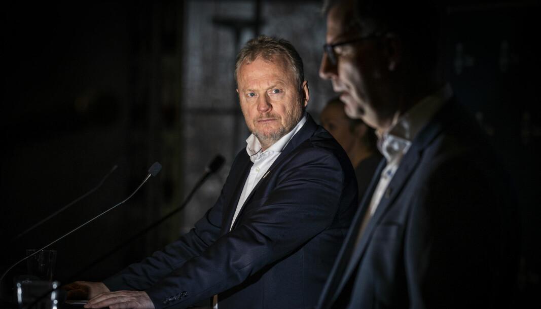Byrådsleder Raymond Johansen (Ap) sier at Oslo viderefører den sosiale nedstengingen.