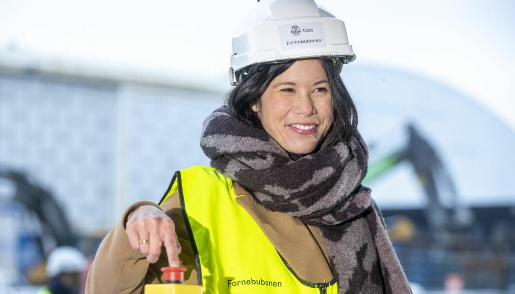 Lan Marie Berg (MDG) er miljø- og samferdselsbyråd i Oslo. Hun sier det vil bli vanskeligere å ha fossilbil i Oslo i årene som kommer.
