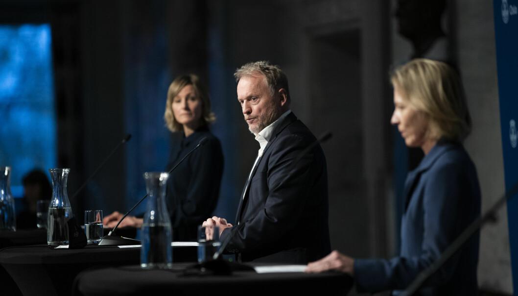 Skolebyråd Inga Marte Thorkildsen og skoledirektør Marte Gerhardsen måtte stille under høring om osloskolen.