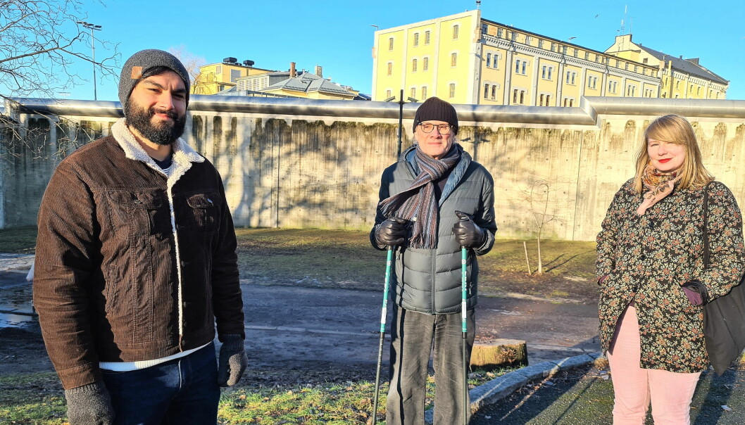 Luis Espinoza (t.v), Olaf Svorstøl og Kathy Joakimsen i Rødt ønsker å bygge billige boliger på fengselstomta i Åkebergveien om Oslo fengsel blir flyttet fra bydelen.