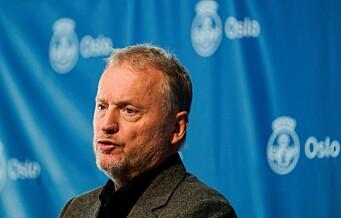 Raymond Johansen (Ap) gjentar at regjeringens vaksinestrategi må endres: - Oslo kan sette 110.000 vaksiner i uka