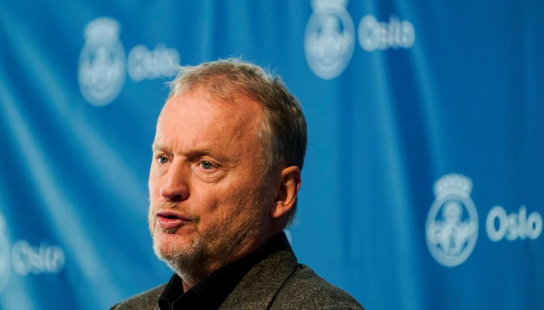 Ifølge Raymond Johansen (Ap) kan Oslo sette 110.000 vaksiner i uka. — Vaksinasjonsstrategien må treffe der smitten er størst, sier byrådslederen og ber om at fordelingen av vaksinedoser endres.