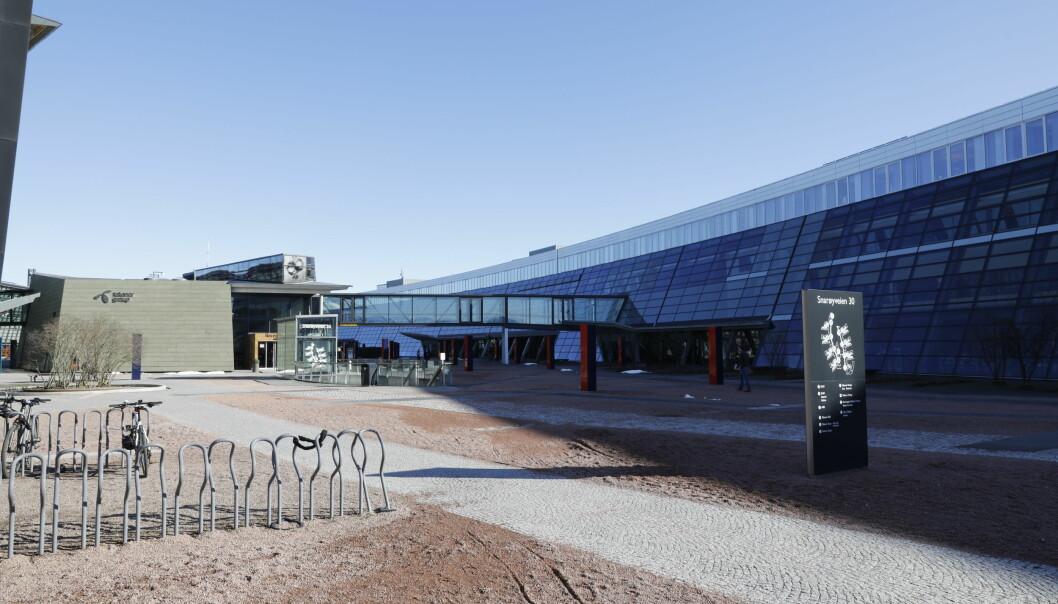 Heller ikke da de strenge koronatiltakene ble innført i Oslo lørdag, gjorde ledelsen i Telenor det enklere å velge hjemmekontor.