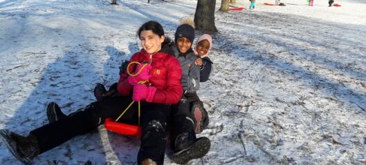 Subaida, Fatima og Zhara elsker når det går skikkelig fort på akebrettet i Tøyenparken