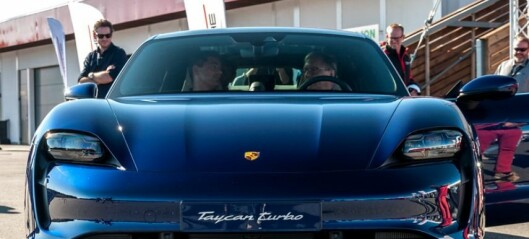 Bedriftslederen sjanglet snøvlende ut av en Porsche. Får 225.000 i bot, må i fengsel og mister lappen
