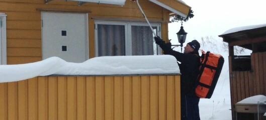 Hytteeiere på Lindøya fortviler over kommunale frister: - Øya er vinterstengt og vi er uten fraktbåt