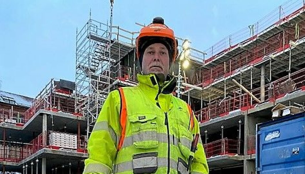 Tillitsvalgt hos Bundebygg, Magnus Eliasson, forteller om arbeidere som går uten inntekt og som lever i uvisshet om hva som skjer framover.
