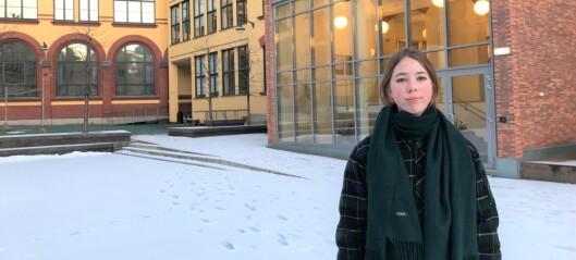 Mari (16) og resten av elevene i osloskolen merker koronakrisa på psyken. — Vi trenger flere psykologer i skolen, sier elevene