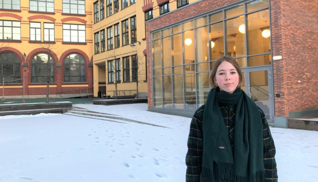 Det sentrale ungdomsrådet i Oslo og nestleder Mari Harboe Løyte (16) ønsker flere skolepsykologer i osloskolen. — Mange elever sliter mer enn vanlig på grunn av koronakrisa, sier hun.