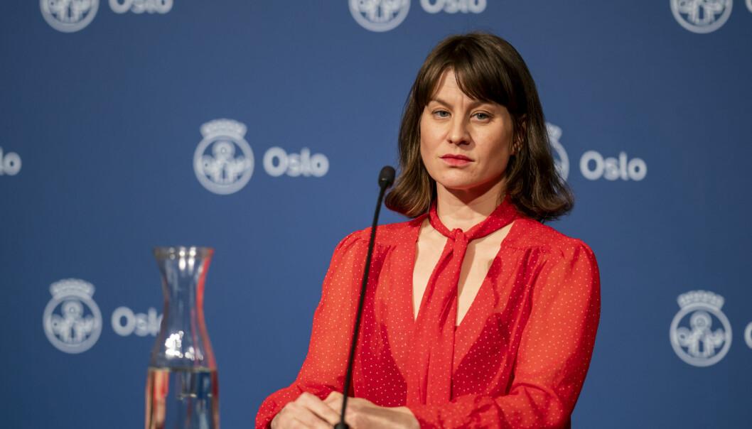 Sosialbyråd Rina Mariann Hansen (Ap) er kjent med at bydelsutvalget i Gamle Oslo har bedt byrådet instruere Boligbygg om å stanse utkastelser under korona. — Det har ikke byrådet tatt stilling til ennå, sier Hansen til VårtOslo.
