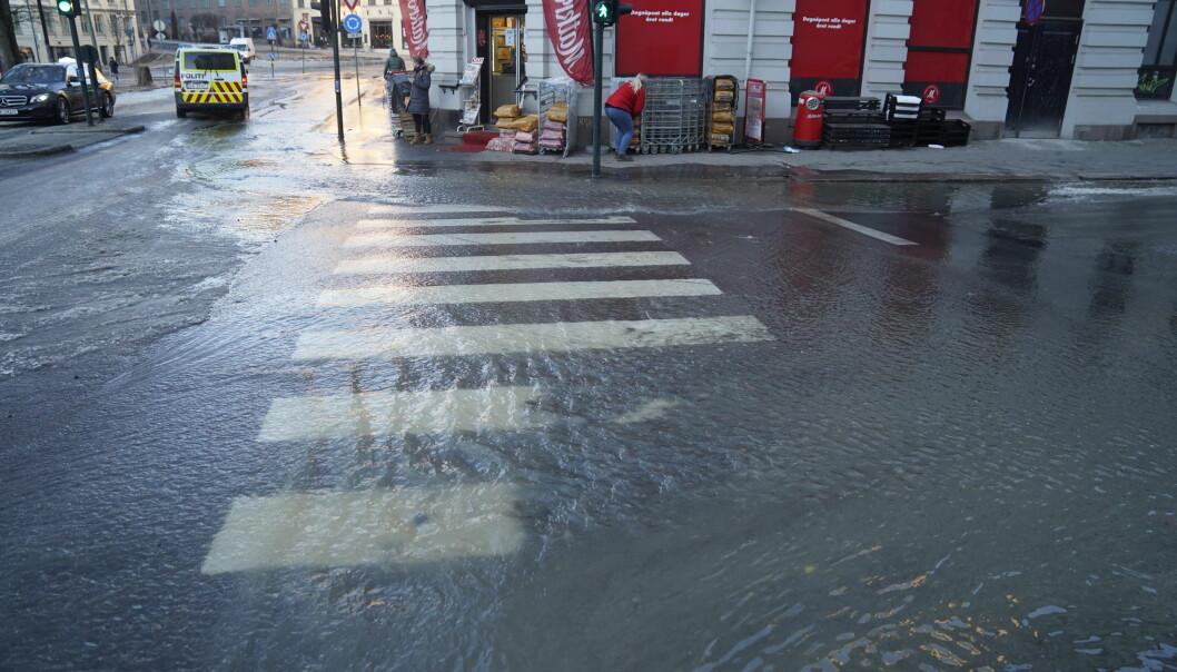 Slik så det ut i krysset Kingos gate og Waldemar Thranes like ved Alexander Kiellands plass søndag morgen.