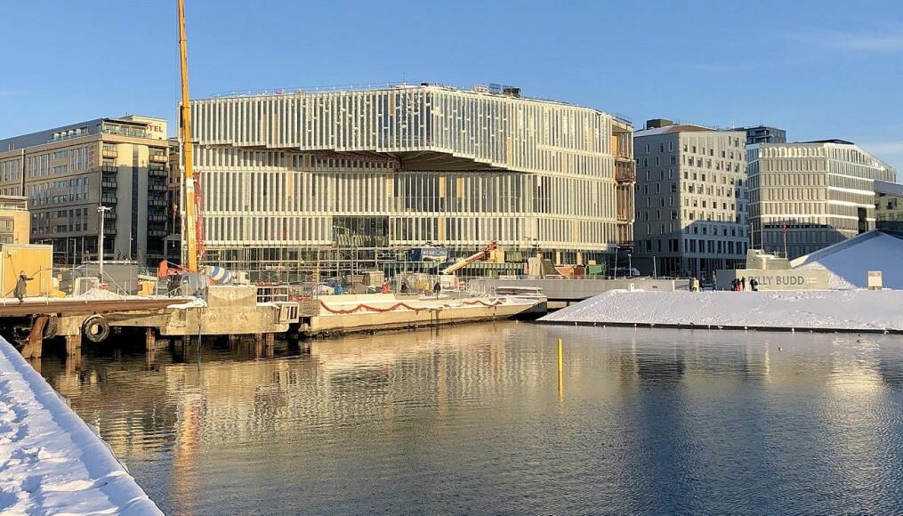 Det nye hovedbiblioteket Deichmanske bibliotek er et bygg som blir foreslått til arkitekturprisen. Arkitektene som har prosjektert og tegnet Deichmanske er Lund Hagem arkitekter og Atelier Oslo.