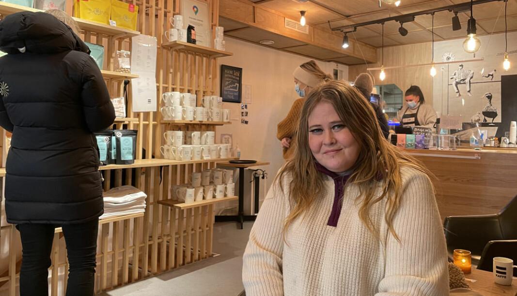 Erlik kaffe ligger i Akersgata 23. Her får folk fra gatemiljøet muligheten til et lønnet arbeid.
