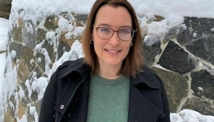 Katarina Øi Heidem i Arbeidstilsynet oppfordrer arbeidere i alle bransjer til å rapportere om brudd på koronabestemmelsene.