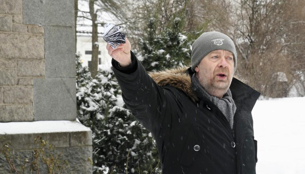 — Vi er forbanna over at saken ikke er skikkelig utredet av Bane Nor eller plan- og bygningsetaten, sier Brynsbakken-aktivist Ørn Terje Foss.