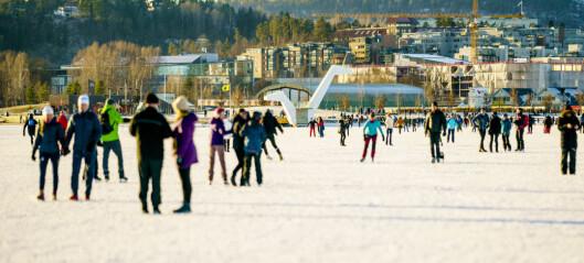 Brannvesenet i Oslo-regionen ber folk vise varsomhet ute på isen
