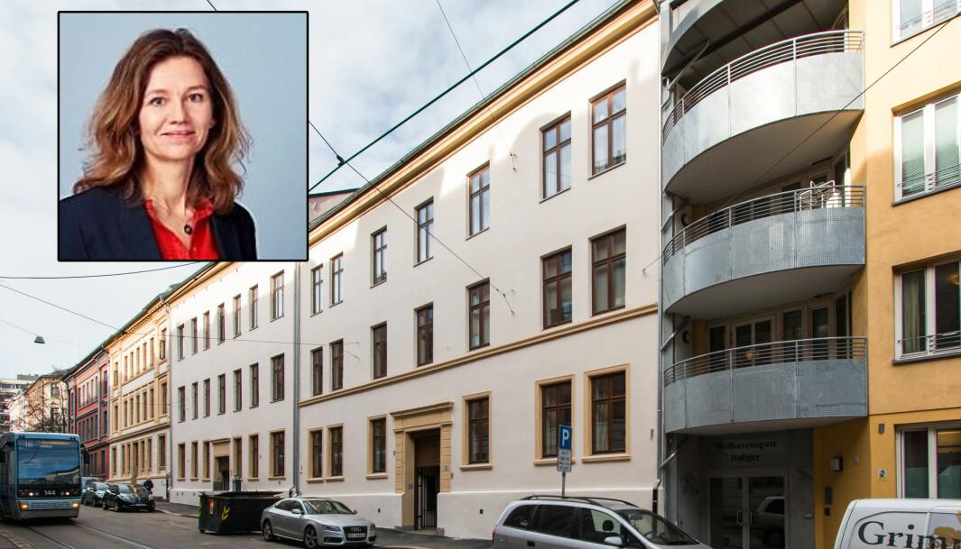 I Welhavens gate ligger en av de kommunale boligene som Boligbygg har ansvaret for. Innrammet bilde er kommunikasjonsdirektør i Boligbygg, Kristin Øyen.