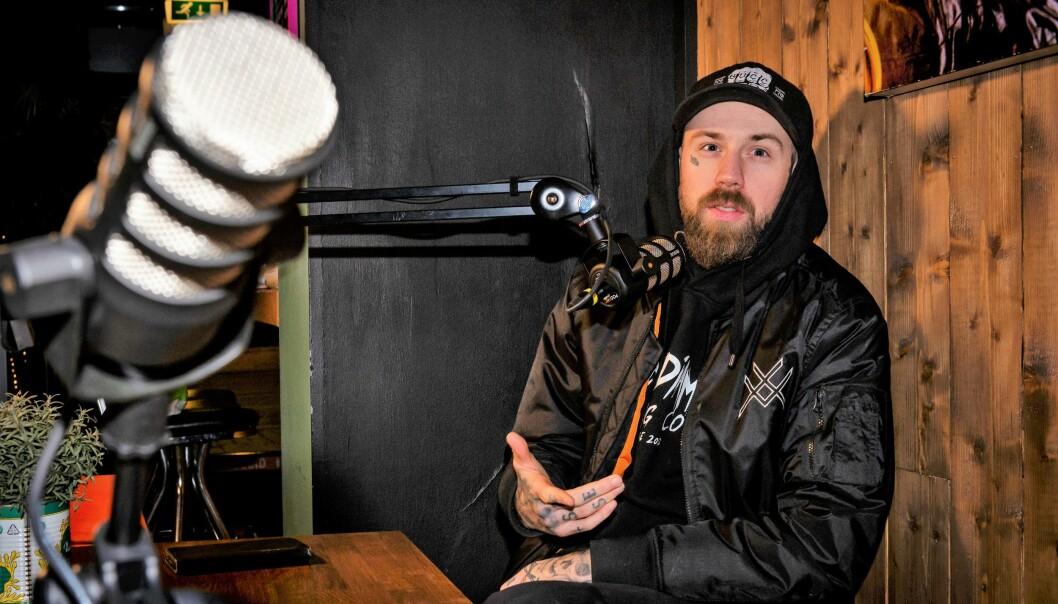 For tiden driver Lucipher (27) podcasten På bar men en gjest på Radio Løkka cocktailbar i Thorvald Meyers gate.