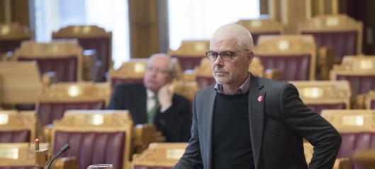 - Frekt å ignorere stortingsvedtak, sier Petter Eide (SV). Politiet gir ikke opp sammenslåing av politistasjoner i Oslo øst