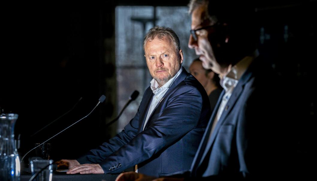 Byrådsleder Raymond Johansen og helsebyråd Robert Steen (til h.) skulle gjerne hatt enda flere vaksinedoser til utsatte oslobydeler.