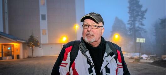 Tom og andre beboere i byens kommunale boliger vil ha bedre spredning av beboere med rus- og psykiatriproblemer