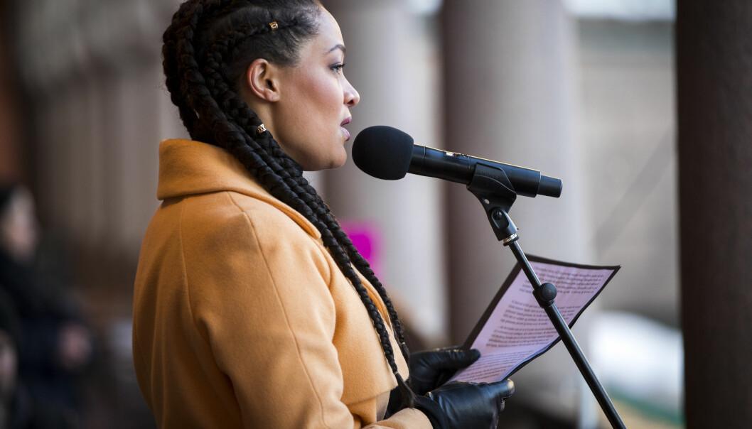 Skuespiller og samfunnsdebattant Iselin Shumba er konferansier når 8. mars-komiteen i Oslo inviterer til appeller og kulturelle innslag med en live-sending fra 18 til 19.30. .