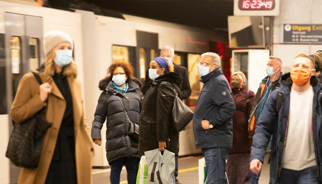 Oslofolk vennet seg til å bruke munnbind på t-banen i fjor.