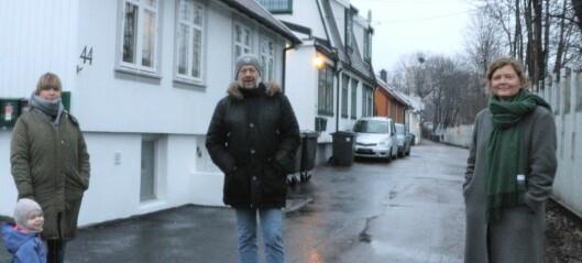 Beslutningen om framtida til husene på Hylla i Kværnerdalen utsettes en uke. — Det nytter å protestere, sier naboene