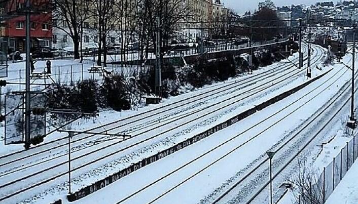 Sporene nedenfor Vålerengaparken, øverst i Schweigaards gate. Det blir ikke flere spor her av å rive Hylla.