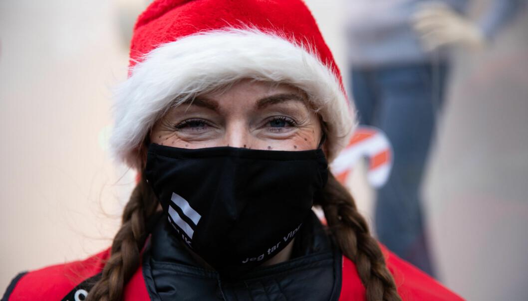 Janne er en av mange Erlik-selgere som baserer seg på inntektene hun får fra magasinsalget. Her fra julen 2020.