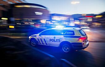 Steinkasting mot politibil på Mortensrud. Og ampert da flere ungdommer ble pågrepet på Vestli