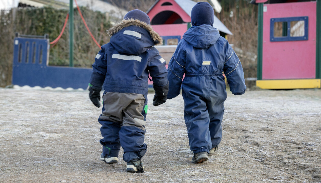 Barnehager og skoler er åpne i Oslo, men byrådet har stengt skoler fra 5. trinn og oppover i sju bydeler med mye smitte.