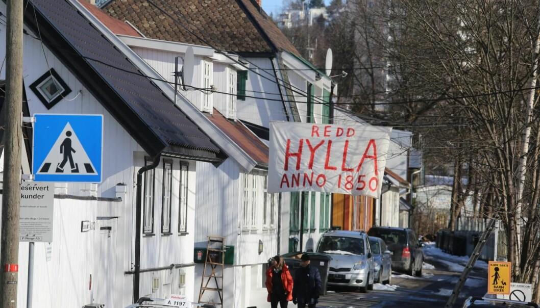 Flertalley i bystyret stemte onsdag kveld for Bane Nors utbyggingsplanefr i Brynsbakken. Dermed går det mot at de vereverdige husene på Hylal i Enebakkveien må flyttes eller rives..
