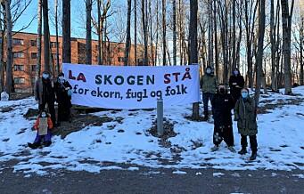 Gunnell, Hedda og andre Haugerud-beboere raser mot rasering av Haugerudskogen. Stoppet hugging av trærne