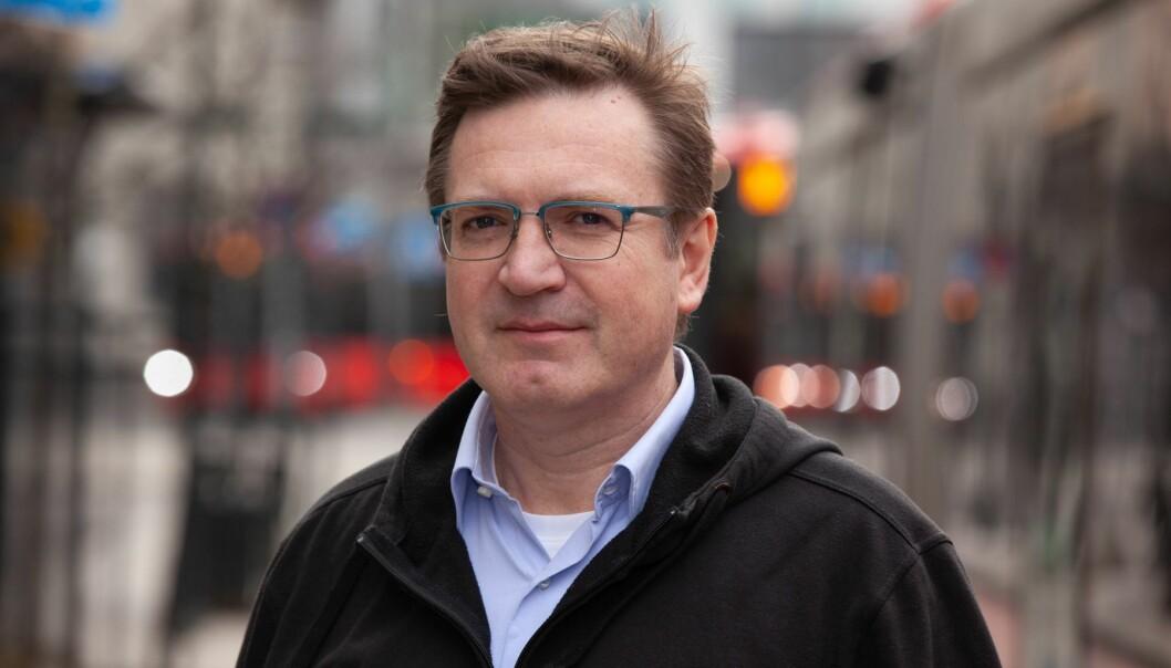 Generalsekretær i Yrkestrafikkforbundet, Trond Jensrud, mener Ruter må se på hvordan de kan skaffe flere inntekter selv, før de kutter i tilbudet.