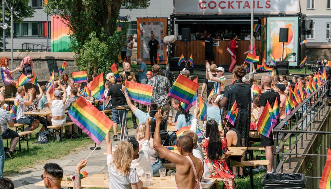 Oslo Pride Paradeshow 2020.Uteservering på Det gamle biblioteket.