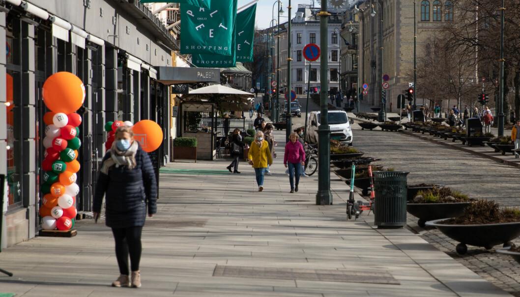 I påskestille Oslo pågår kommunens koronavaksinering for fullt, opplyser byrådsleder Raymond Johansen. Men i likhet med bærumsfolk takker folk også i Oslo nei til vaksinering og velger i stedet å dra på hytta.
