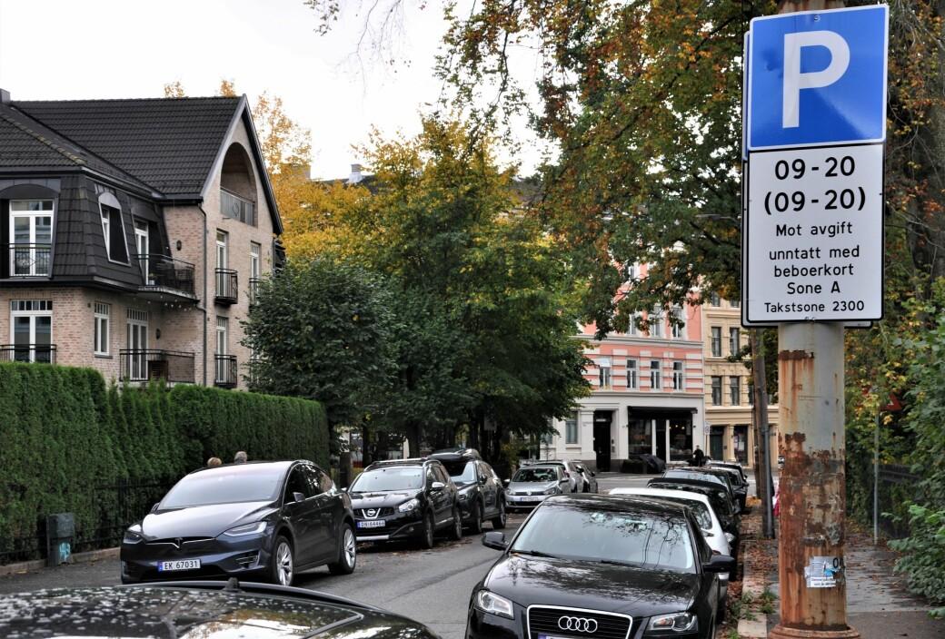 P-plassene i Eckersbergs gate på Frogner er noen få av til sammen 28.154 beboerparkeringsplasser i 11 av Oslo 15 bydeler.
